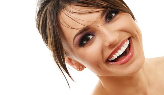 Niềng răng mang lại vẻ đẹp thẩm mỹ cho hàm răng, giúp bạn tự tin hơn