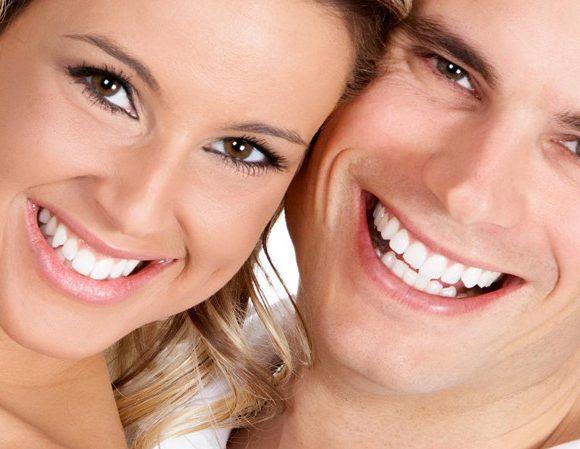 Phương pháp niềng răng tháo lắp cho người lớn