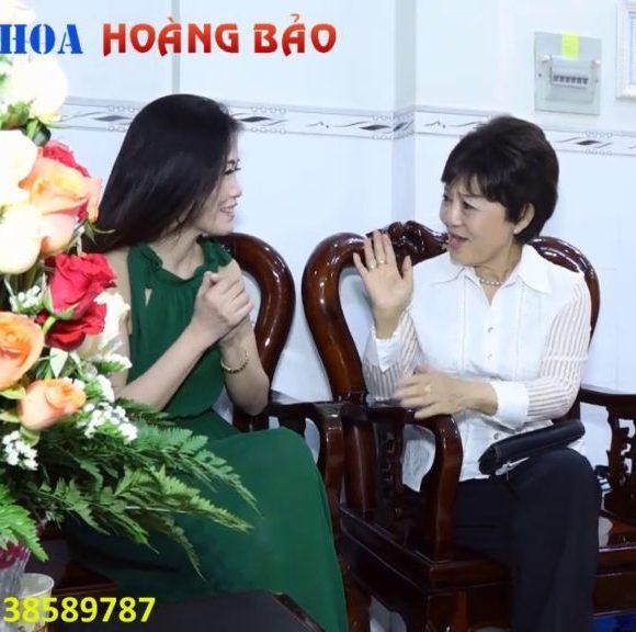 Cuộc trò chuyện của cô Dung và ca sĩ Sao Mai tại Nha Khoa Hoàng Bảo